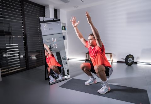 Manuel Neuer performs a squat with VAHA motion tracking