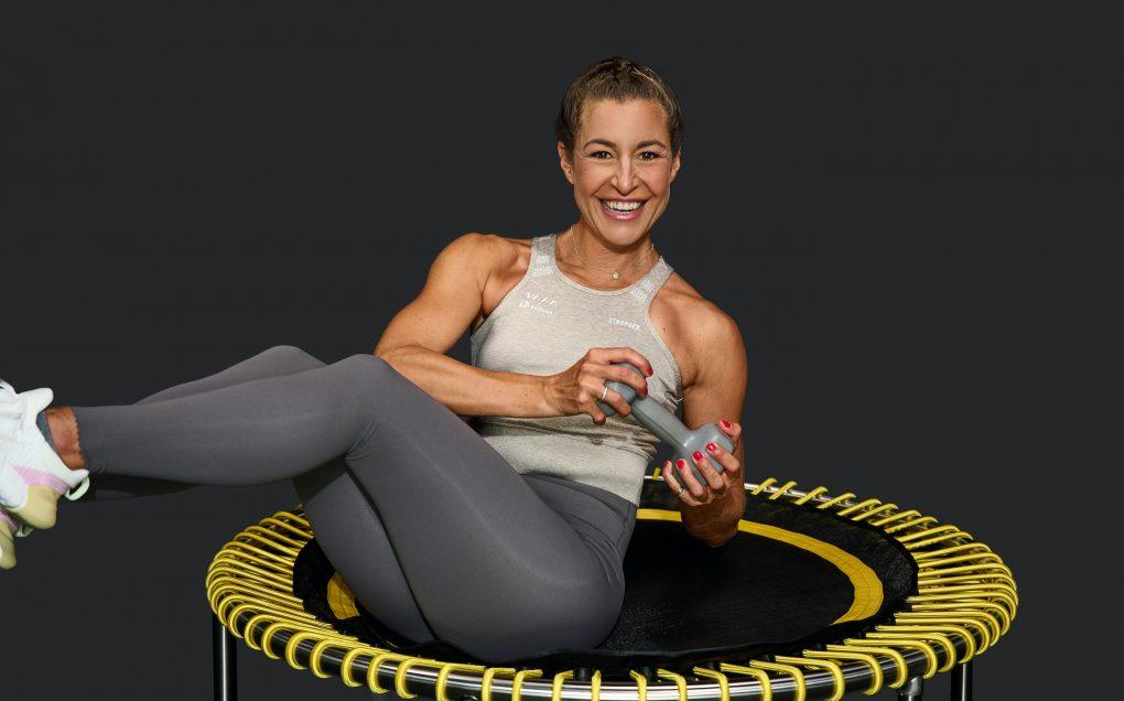 Aktiviere alle Muskeln wie bellicon Trainerin Julia.